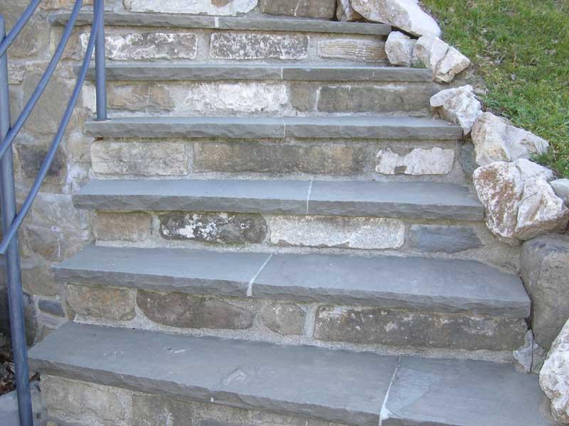 Scala esterna in pietra vr74 regardsdefemmes for Scala in pietra lavica